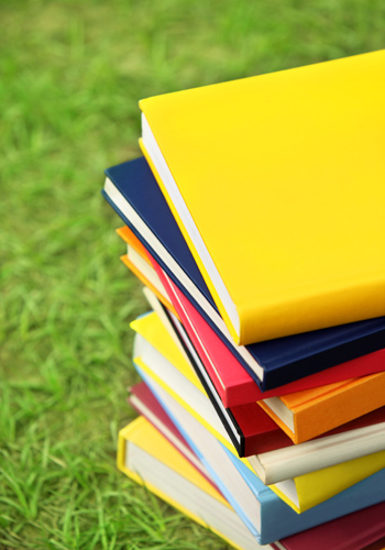 Education-Quizzes-Pile-Of-Books