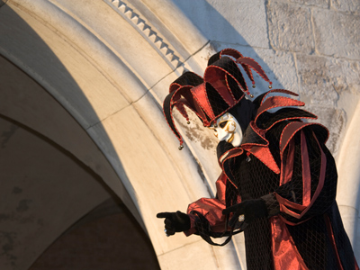 12th to 14th century minstrel costume - Pesquisa do Google ...  Jester Middle Ages Wear